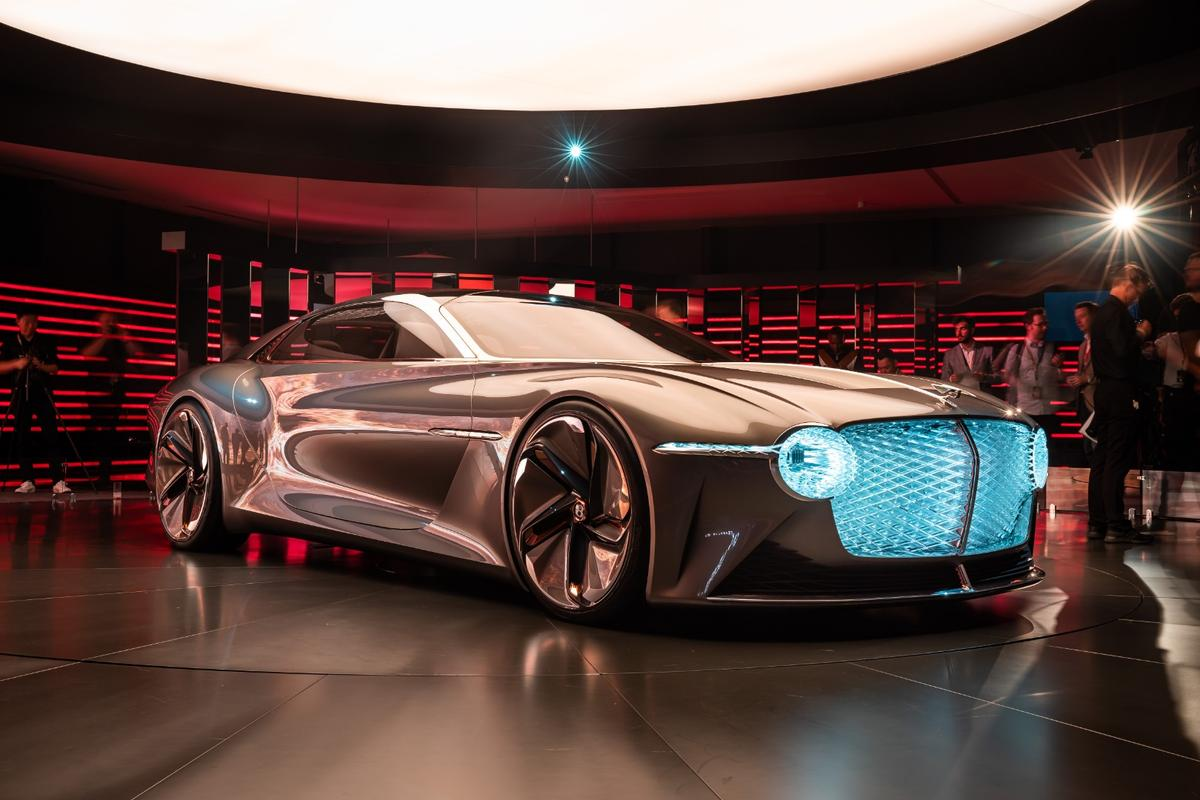 Bentley EXP 100 GT debut