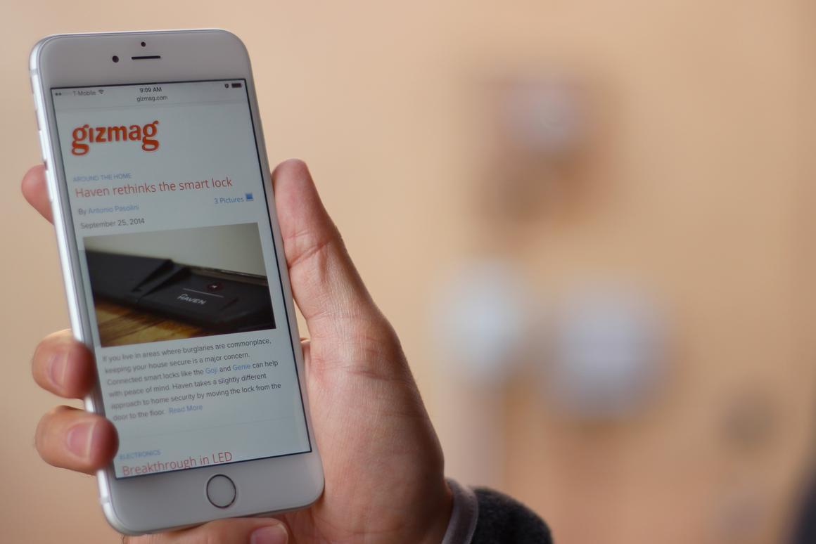 Gizmag reviews Apple's first phablet, the iPhone 6 Plus (Photo: Will Shanklin/Gizmag.com)