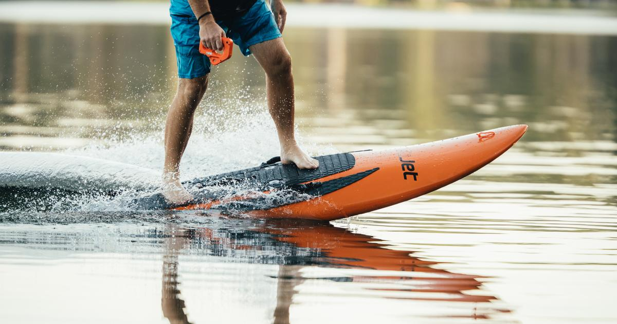 YuJet Surfer electric jetboard promises 40 minute ride at up to 24 mph