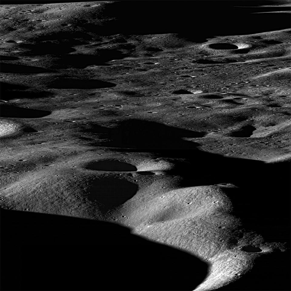 View northeast across the north rim of Cabeus crater (Image: NASA/GSFC/Arizona State University)