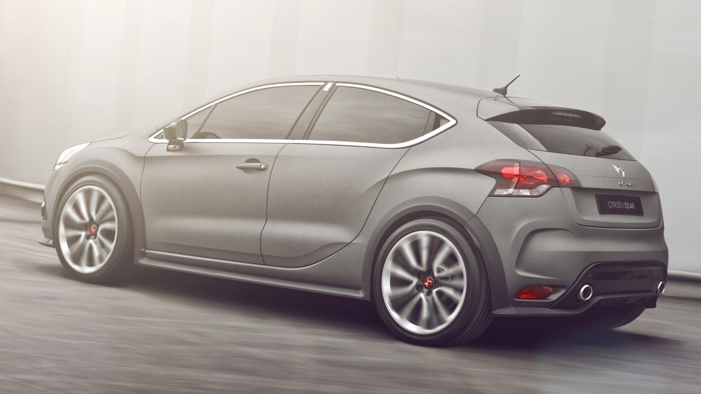 The DS4 Racing concept has a textured-effect matt grey paint, which catches the light to further enhance the lines of the car.