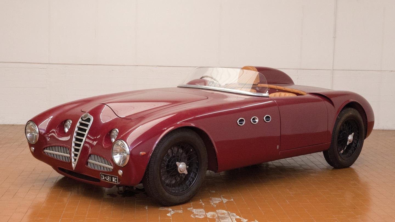 This gorgeous creature is a 1946 Alfa Romeo 6C 2500 Barchetta
