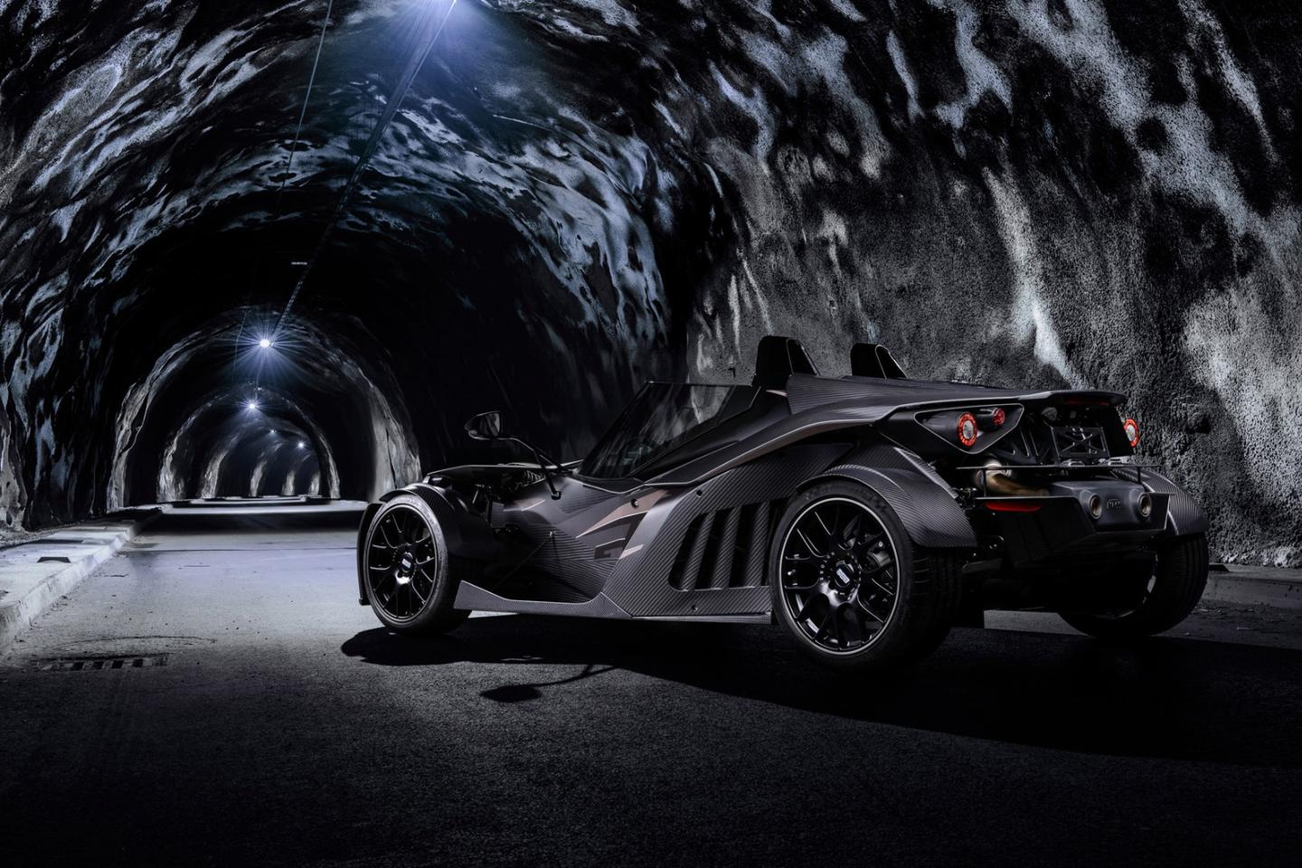 The Black Edition boasts 18-in and 19-in rims