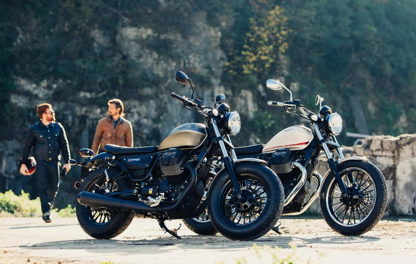 Moto Guzzi introduces a new engine platform, initiated by two new models, the V9 Roamer and Bobber