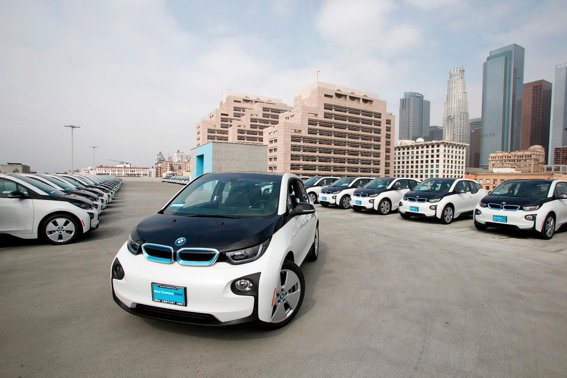 The LAPDwill be making use of 100 BMWi3s for non-emergency purposes