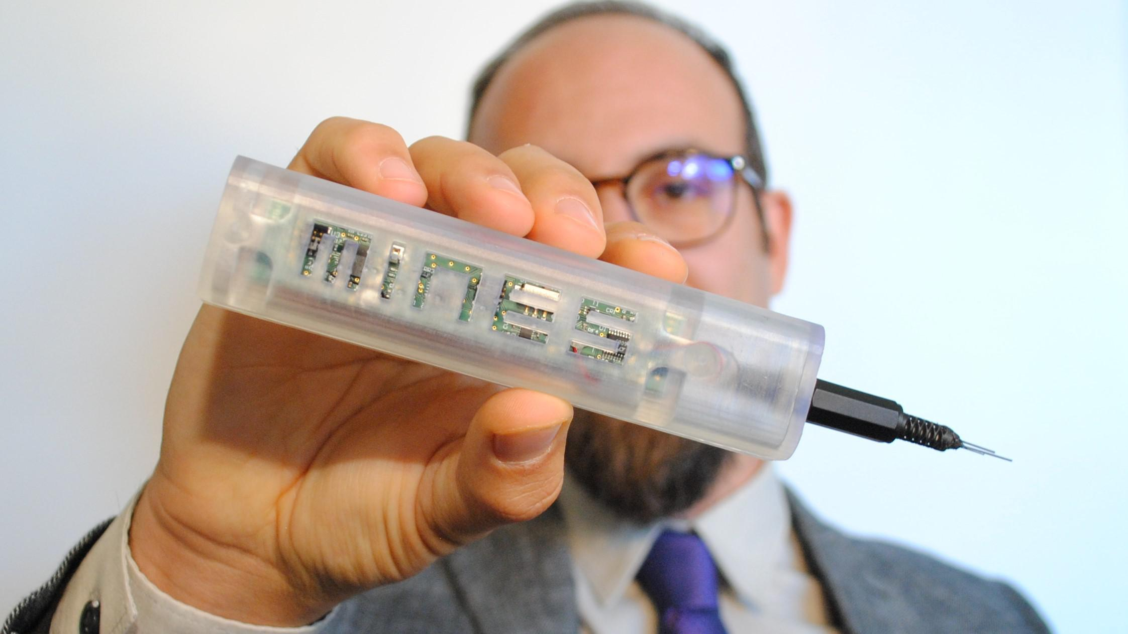 The battery-powered device contains propofol-detecting sensors in its needle, along with data-processing electronics in its main body